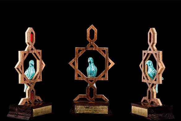 ساخت تندیس و لوح تقدیر چوبی و پلکسی | برش لیزری